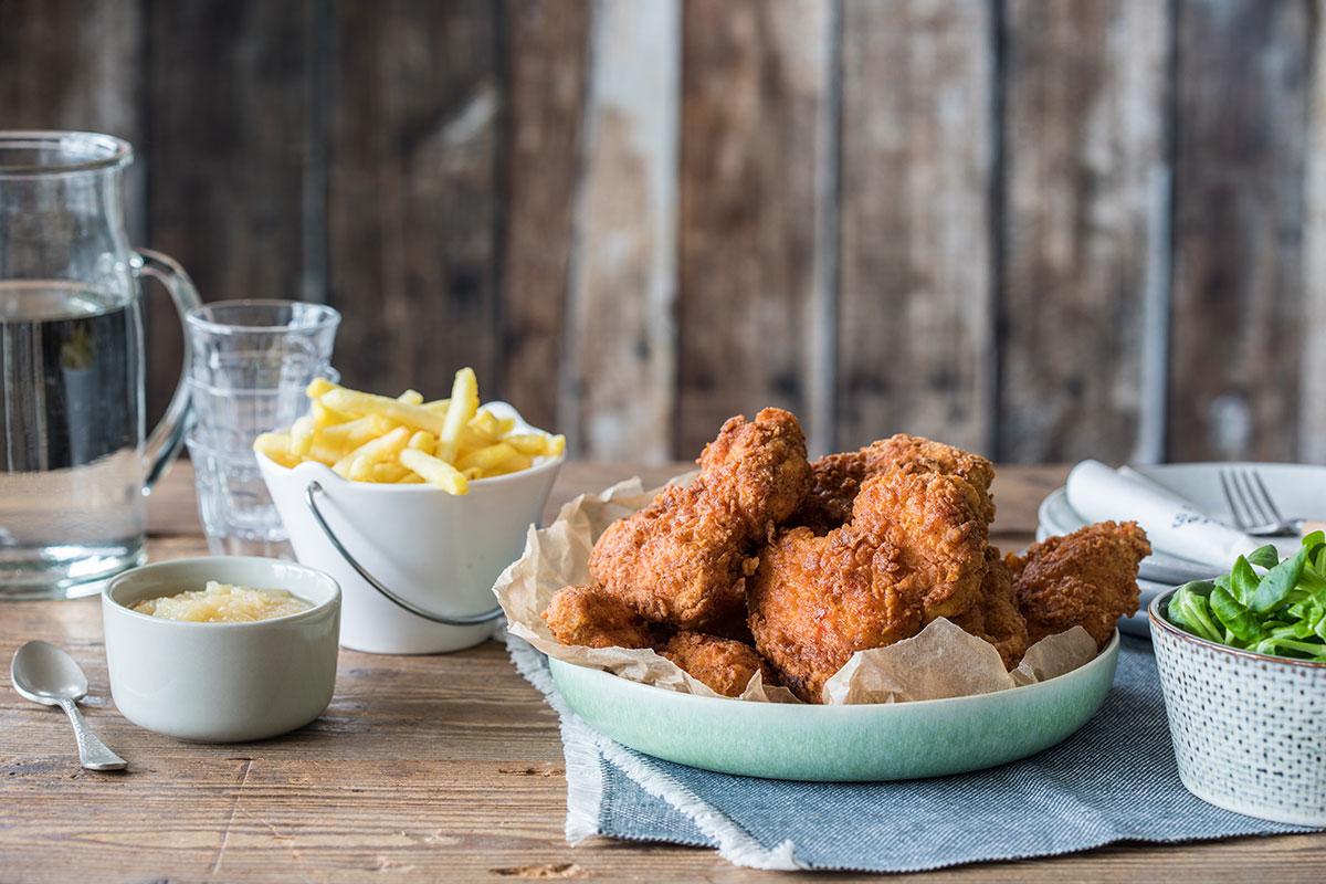 Juicy fried chicken wings